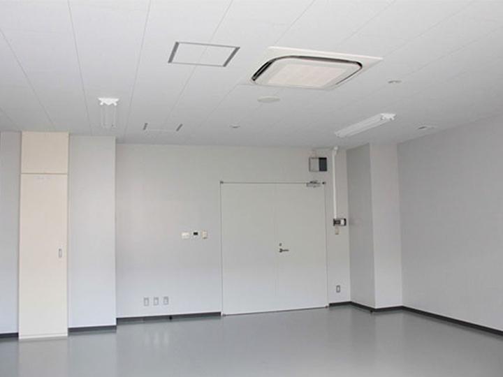 新館新事業研究室(扉側)の画像